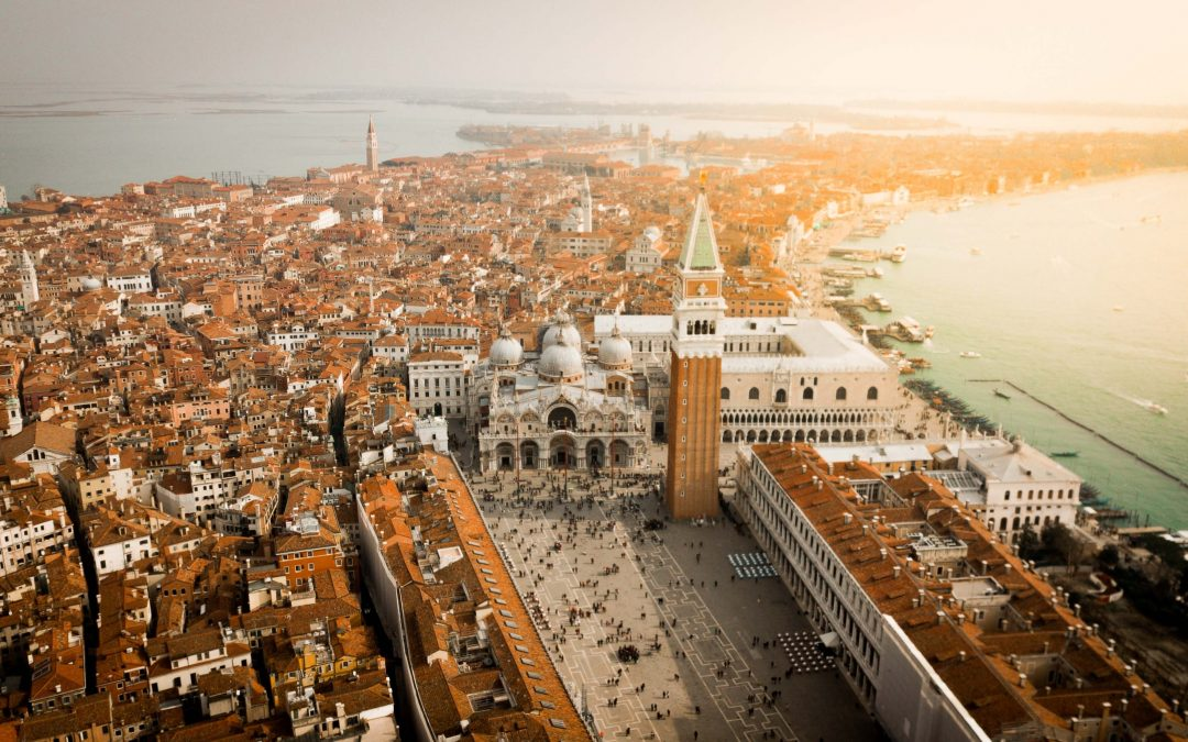 Relive the myth of the 1600 years of Venice with Fairbnb.coop